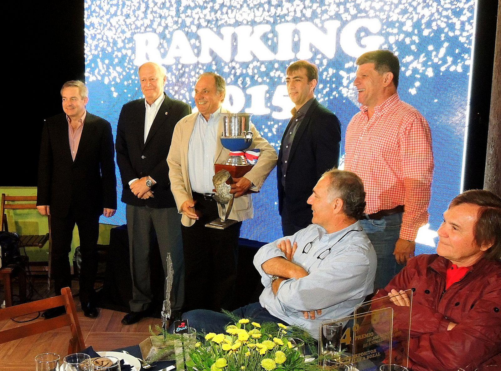 La APCB homenajeó al socio Horacio Lloret en su cena de fin de año