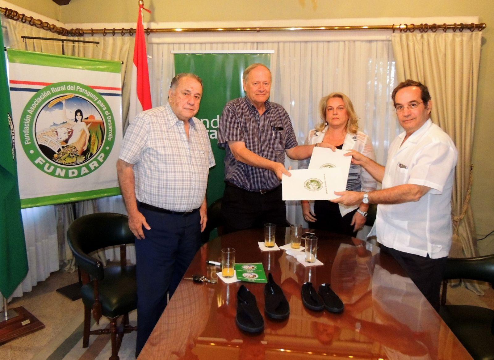 FUNDARP y la Fundación Paraguaya firmaron convenio de alianza estratégica