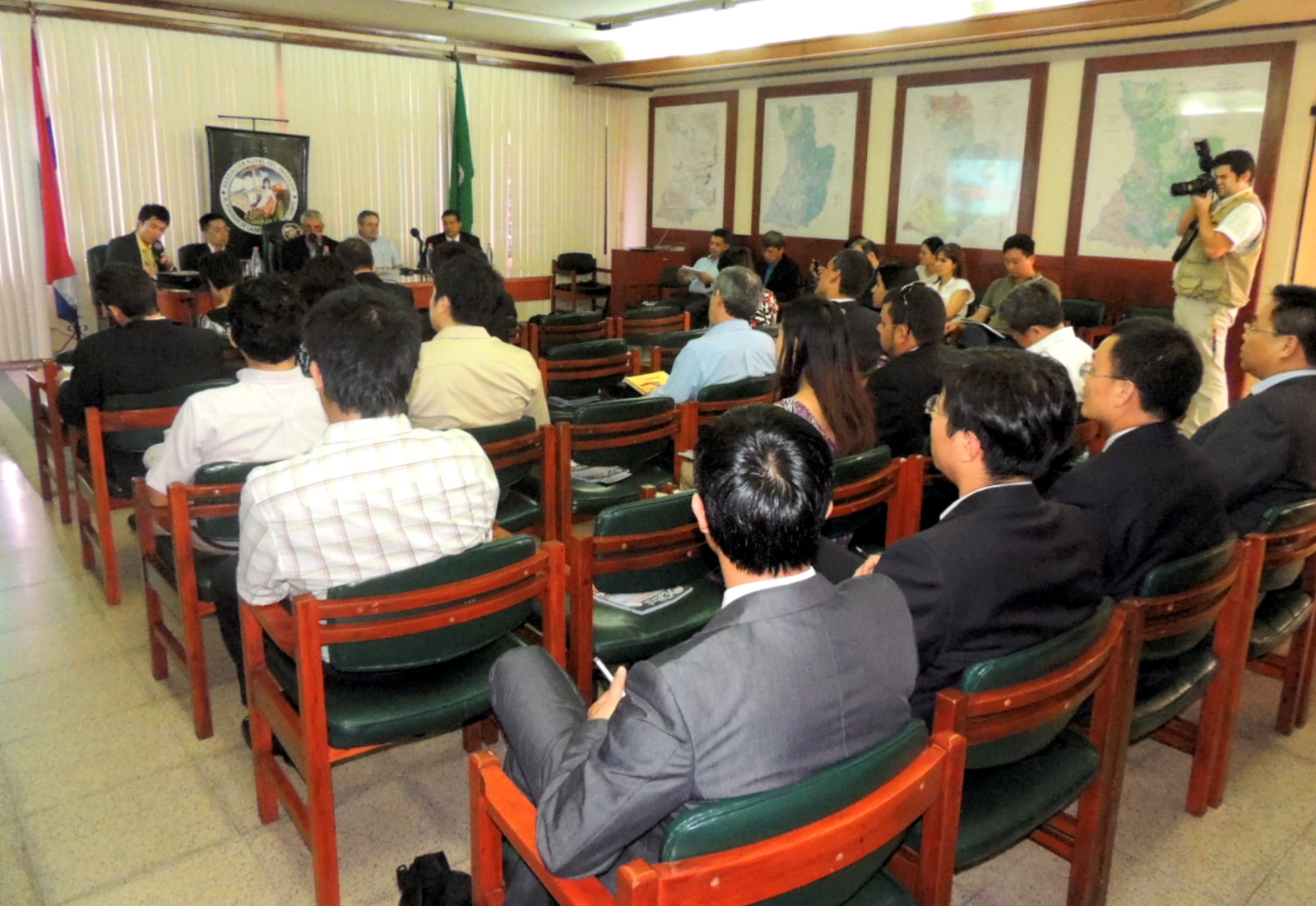 Delegación de empresarios chinos visitó la ARP y se reunió con Directivos
