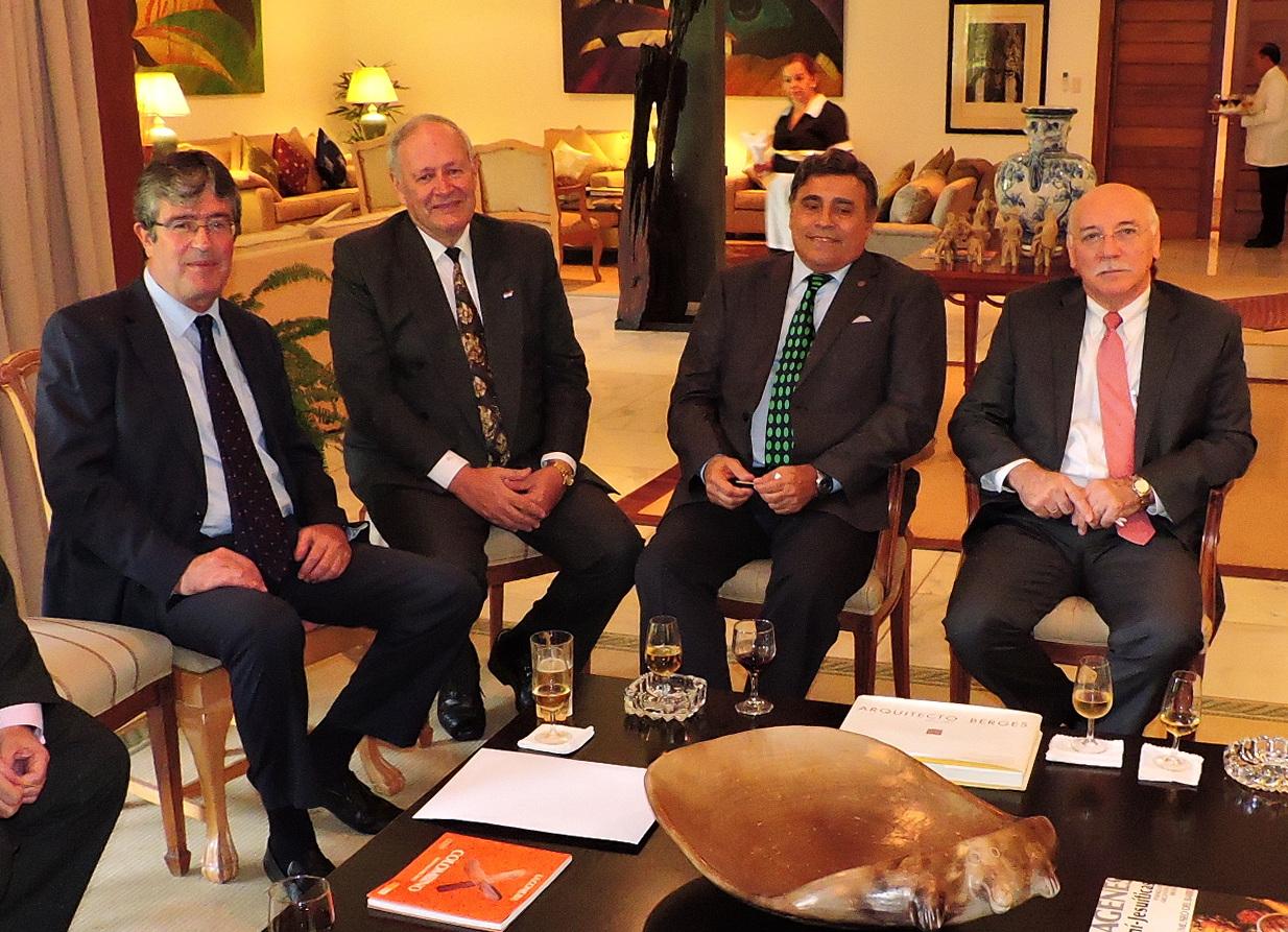 Presidente de ARP en Embajada de España