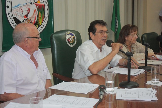 El Dr. Juan Nestor Nuñez, durante la asamblea de la regional Cordillera.