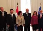 Homenajean al Embajador de Chile, Alejandro Bahamondes